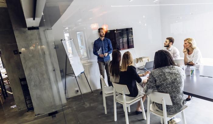 Are Commercial Insights Better than Thought Leadership?