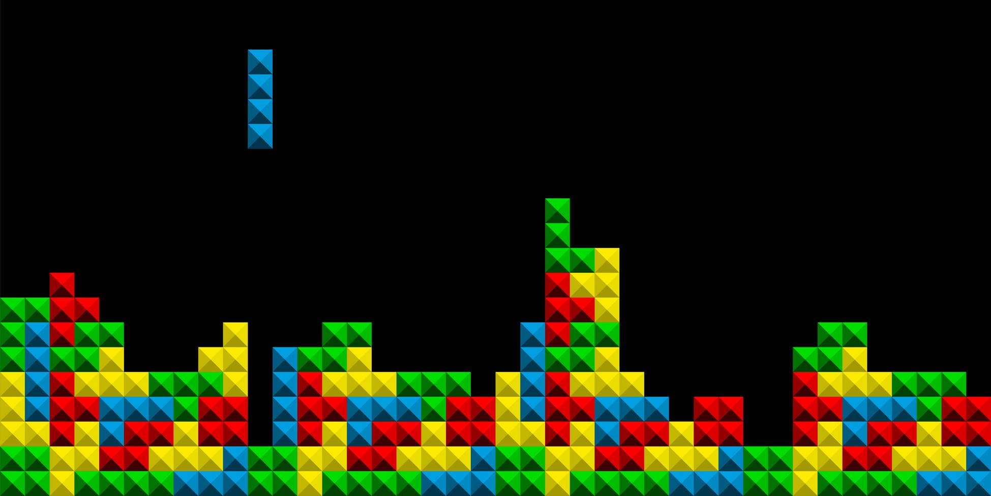 Tetris block falling down to fit in with blocks already in place