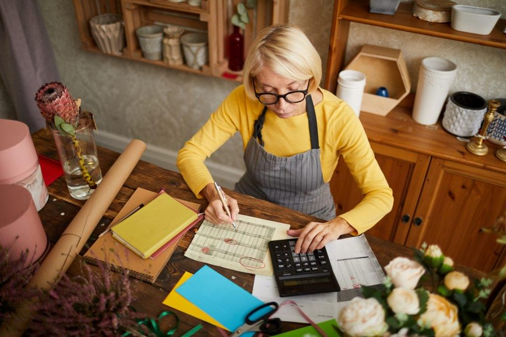Use Quickbooks or quicken for small business accounting.
