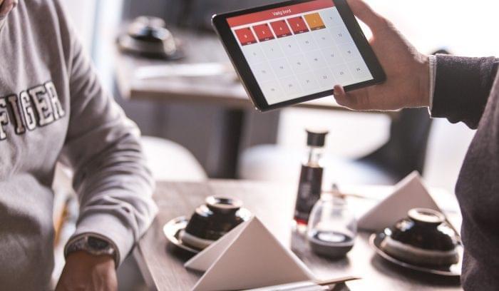 Tablet pos order at table.