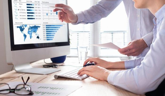 Considering Your Technical Needs: Choosing Between Traditional vs. Self-Service BI Tools
